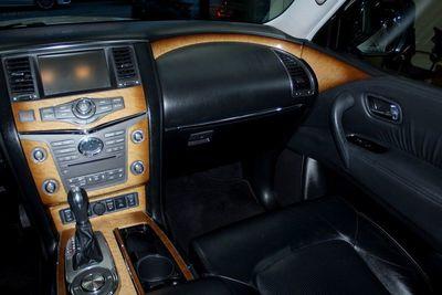 2012 INFINITI QX56 8-passenger